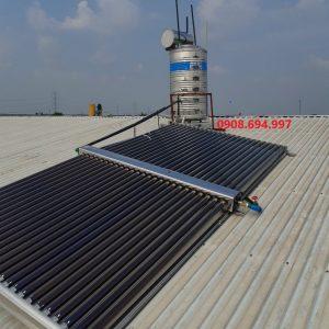 Máy nước nóng năng lượng mặt trời 500L