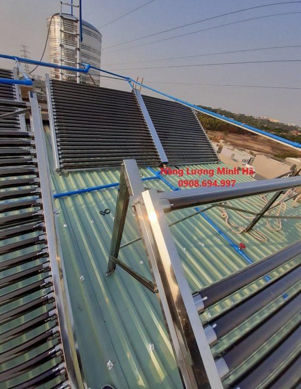 Máy nước nóng năng lượng mặt trời 2000L Bình Minh