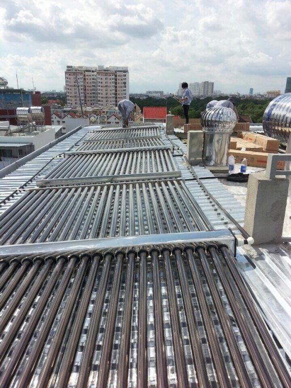 Máy nước nóng năng lượng mặt trời 8000 lít