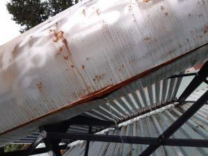 Máy nước nóng năng lượng mặt trời bị hư