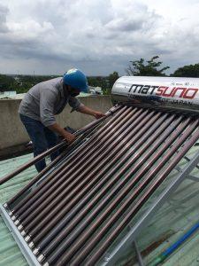 Sửa máy nước nóng năng lượng mặt trời thủ dầu một