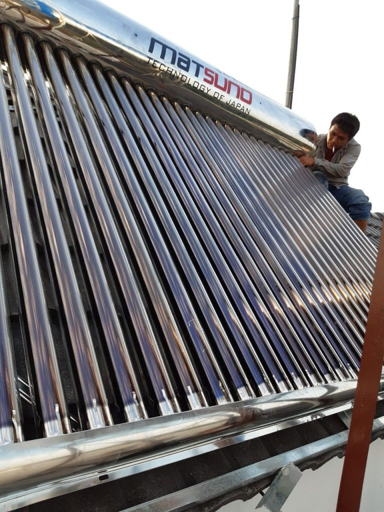 Kho máy nước nóng nóng năng lượng mặt trời Bình Dương
