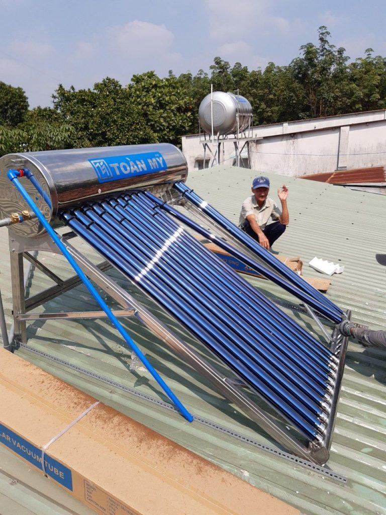 Máy nước nóng năng lượng mặt trời tại Bàu Bàng