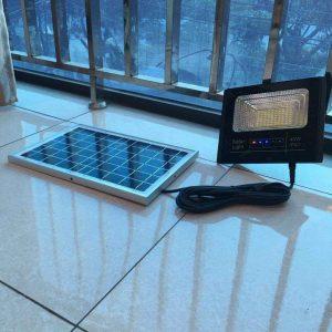 đèn pha năng lượng mặt trời 40w