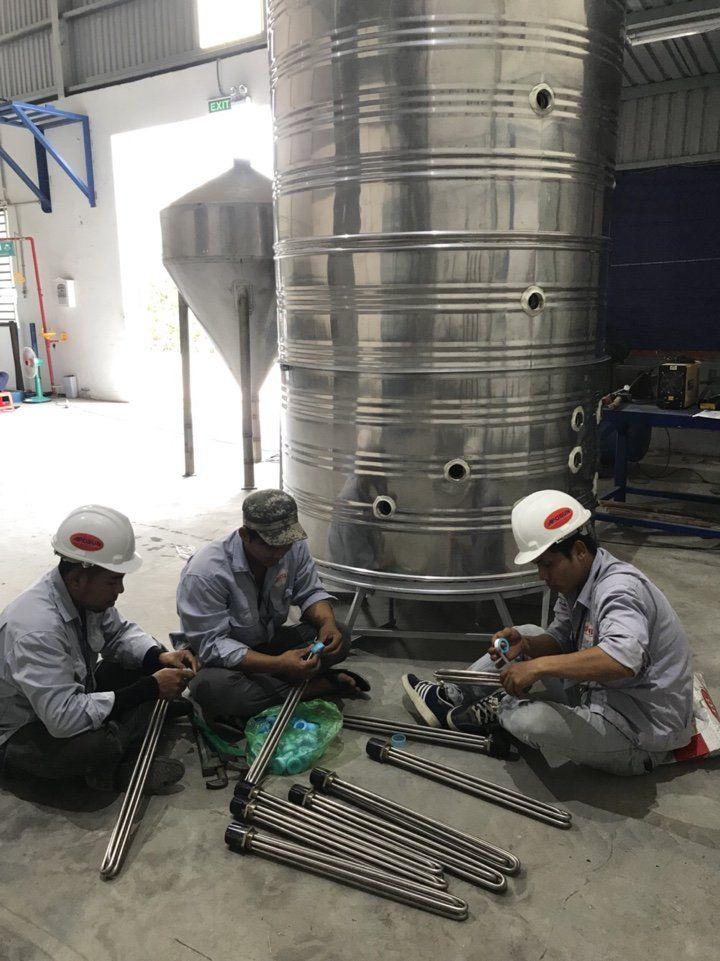 Máy nước nóng năng lượng mặt trời 1500L Bình Minh