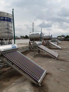 Máy nước nóng năng lượng mặt trời Tân Uyên