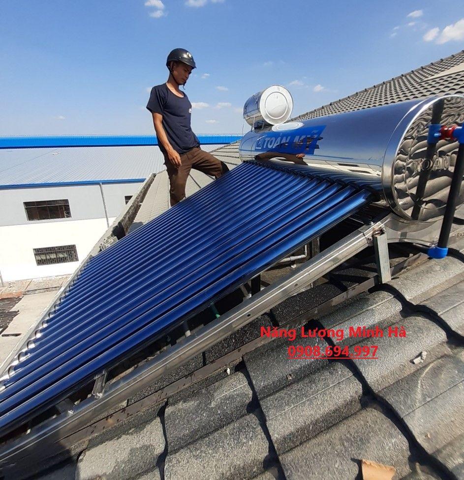 Máy nước nóng năng lượng mặt trời Toàn Mỹ Inox 316 200L